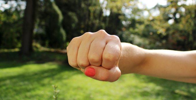 O que significa sonhar com briga?