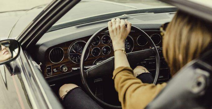 O que significa sonhar que está dirigindo?