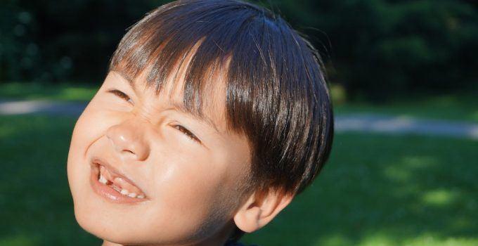 O que significa sonhar com dente caindo?